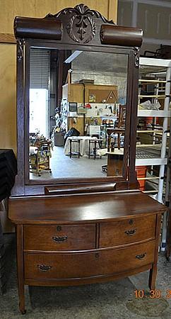 Oak-Dressers-5.jpg: 689x1280, 92k (April 28, 2015, at 06:36 AM)